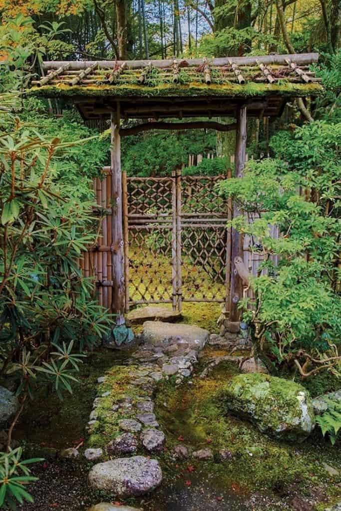 Un portail de jardin japonais