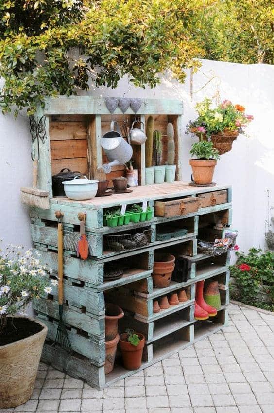 Rangement outils de jardin