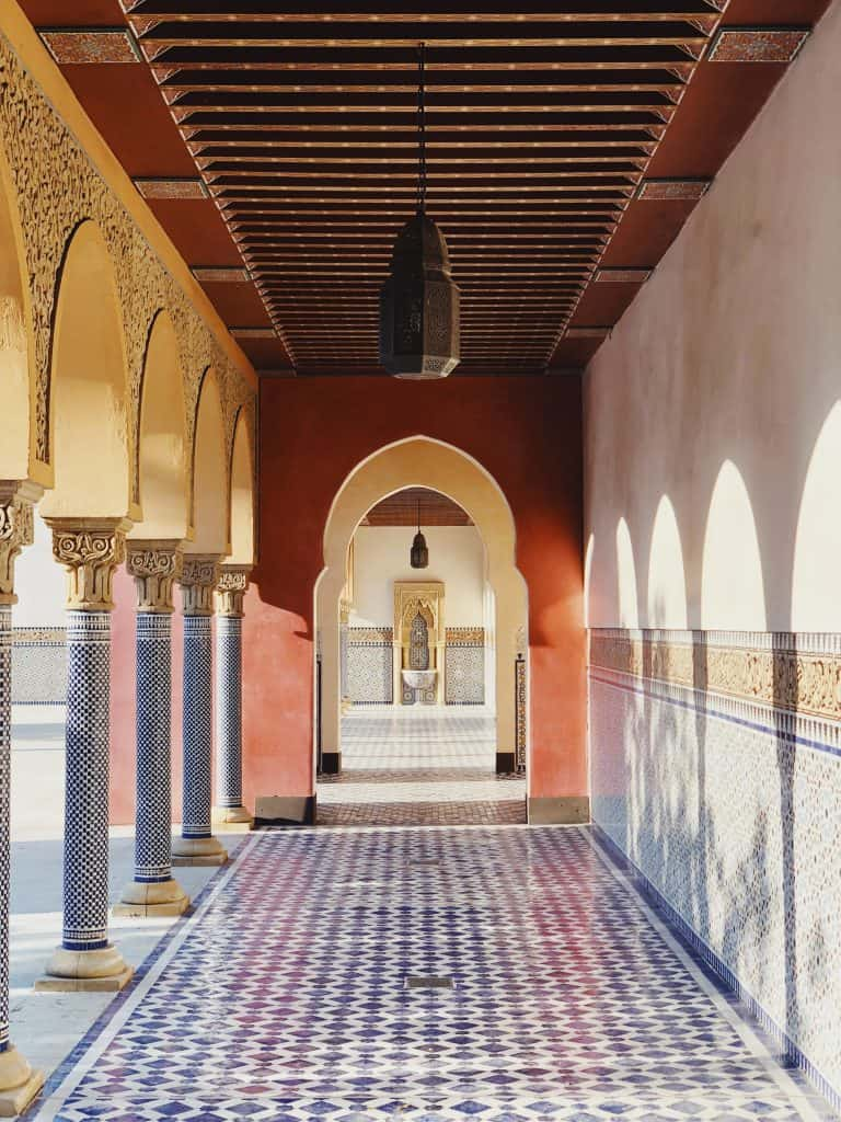couloir d'un jardin perse